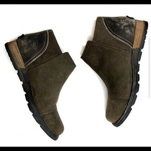 Sorel Major Low Fossil. Leather Ankle Zip Boots